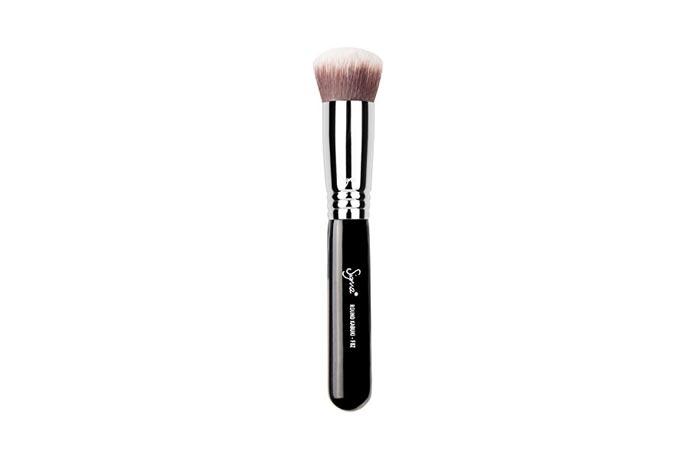 Best Professional Makeup Brushes - 5. Sigma Round Kabuki Brush