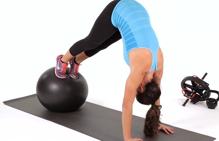 Swiss Ball Exercises - Swiss Ball Pike Crunch