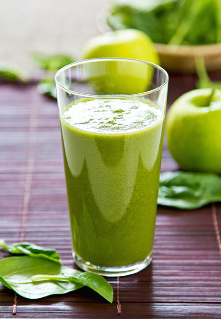 14. Spinach And Apple Juice
