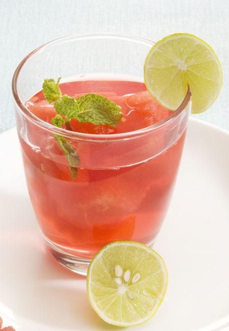 16. Lemon And Watermelon Juice