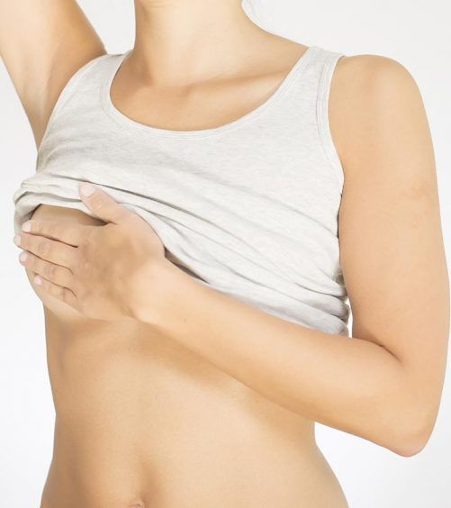 15 Effective Home Remedies To Treat Rashes Under Breasts