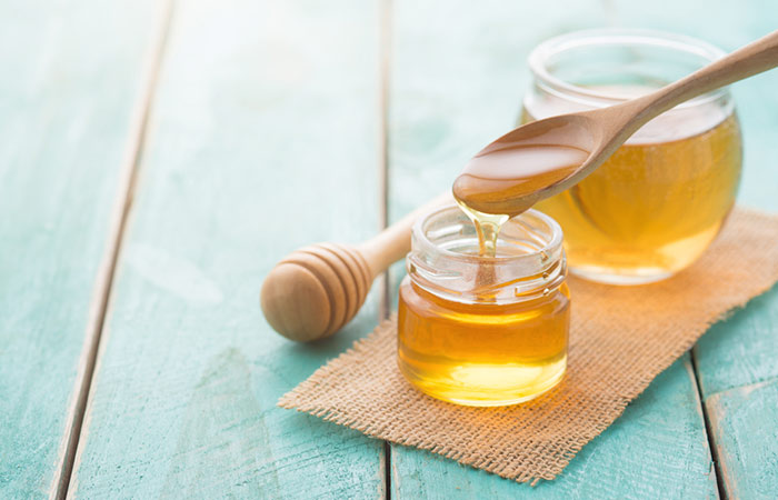 5.-Baking-Soda-And-Honey