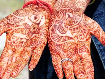 6358_Amazing-Bombay-Style-Mehndi-Designs