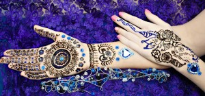 Top 10 Fresh Flower Jewellery For Your Mehndi Design