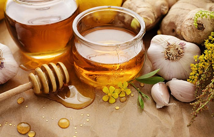 8.-Garlic-And-Honey