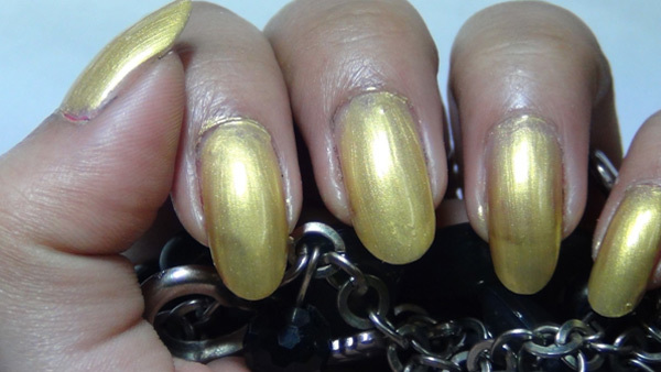black and golden ombre nails two