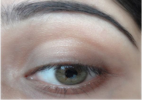 How To Make Eyes Look Bigger With Eyeliner - Step 1: Moisturize Your Eyes