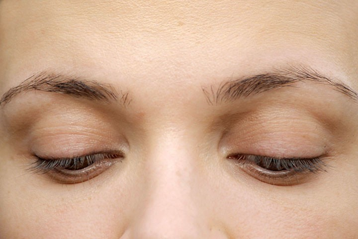 How To Make Eyebrows Thicker? - Step 1: Prepare Your Eyebrows