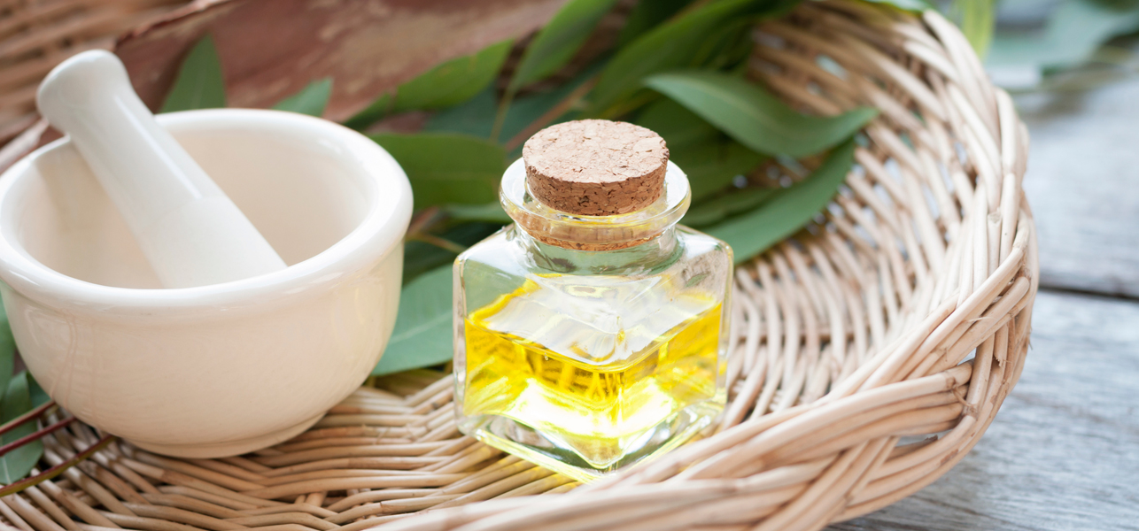 23-Amazing-Benefits-Of-Eucalyptus-Oil-For-Skin,-Hair,-&-Health