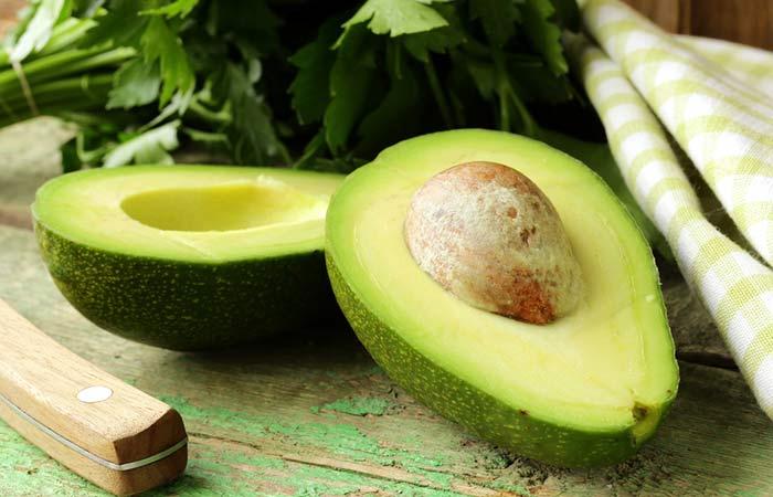5.-Avocado-As-Moisturizer