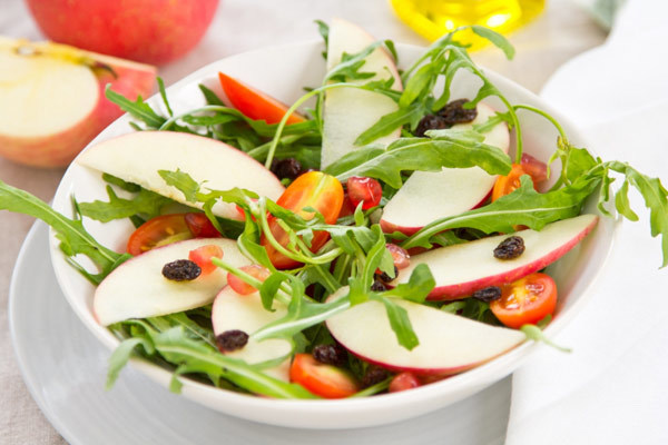 apple pomegranate salad with spicy honey dressing