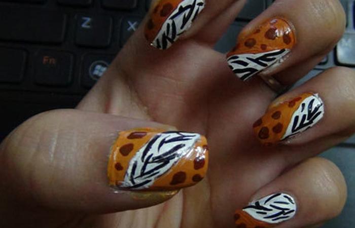 zebra-print-nail-art-design1