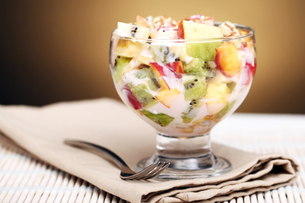 fruit salad with yogurt dressing