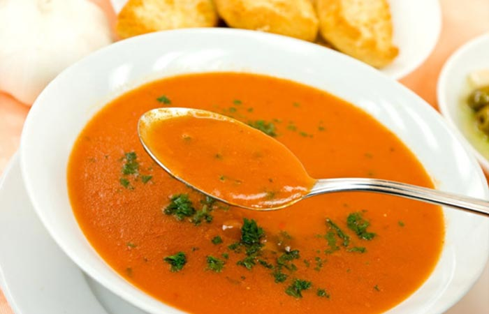 Best Tomato Soup Recipes By Sanjeev Kapoor - Roasted Garlic And Tomato Soup