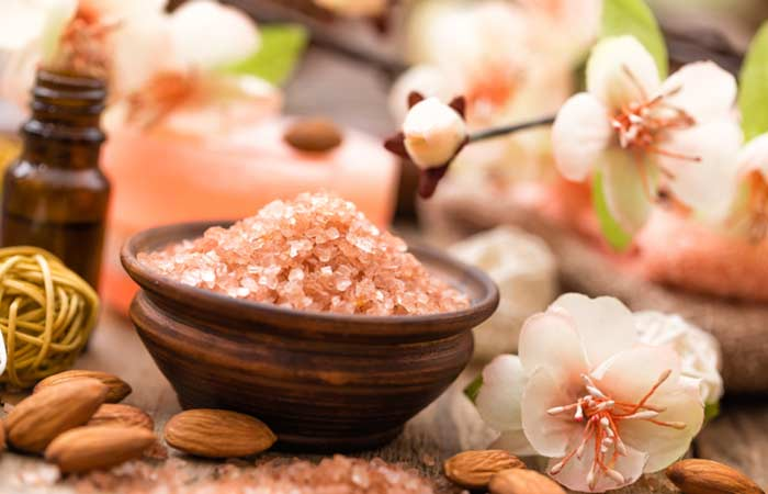 Almond oatmeal facial scrub