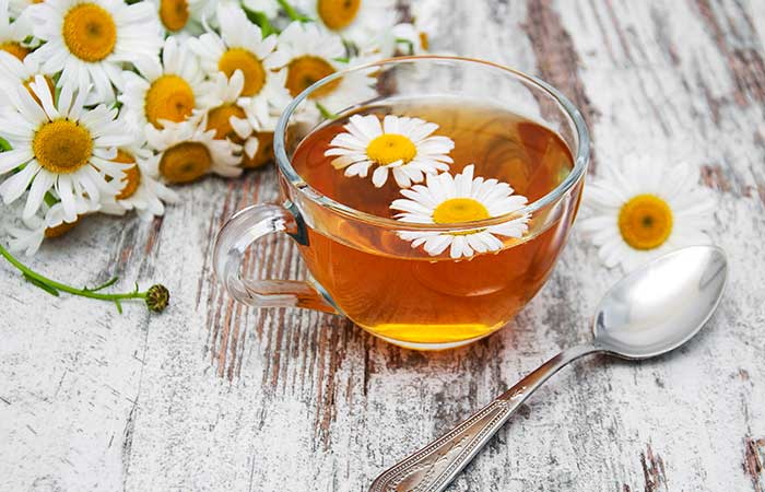 Home Remedies For Dry Eyes - Chamomile Tea