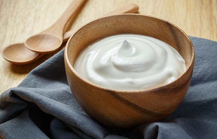Home Remedies For Dry Eyes - Yogurt