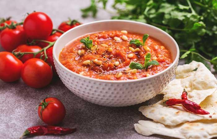 8. Tomato And Roti Soup