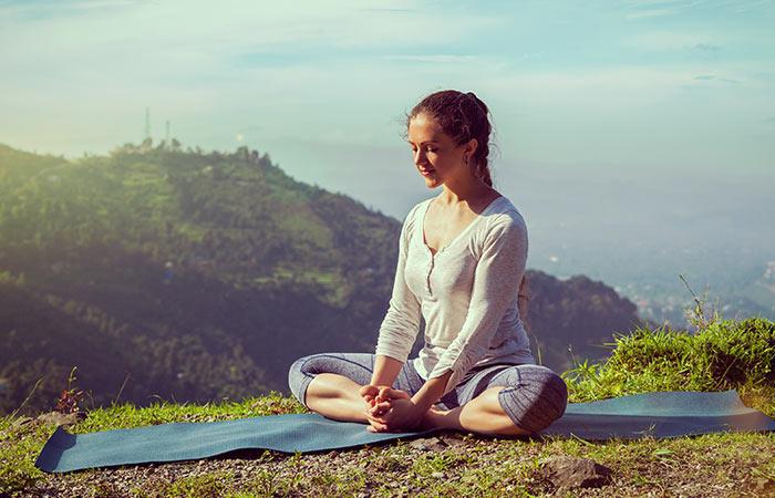 Basic-Yoga-Asanas-That-Will-Relieve-Fibromyalgia3
