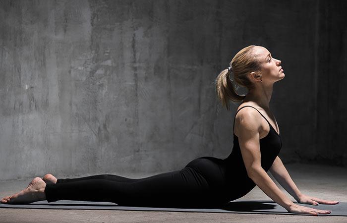 Basic-Yoga-Asanas-That-Will-Relieve-Fibromyalgia6