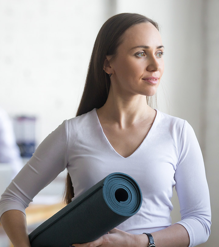 Easy-and-Effective-Yoga-Asanas-That-You-Can-Do-At-Office