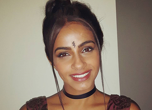 Top 19 Latest Bindi Designs That You Should Try In 2019