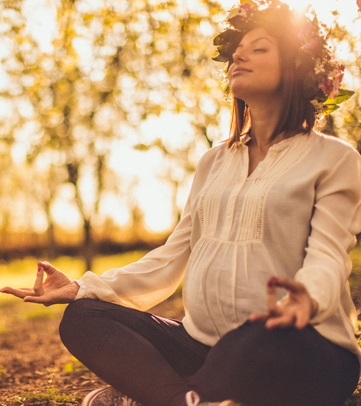 10-Amazing-Prenatal-Yoga-Asanas-That-Will-Make-Childbirth-Easy