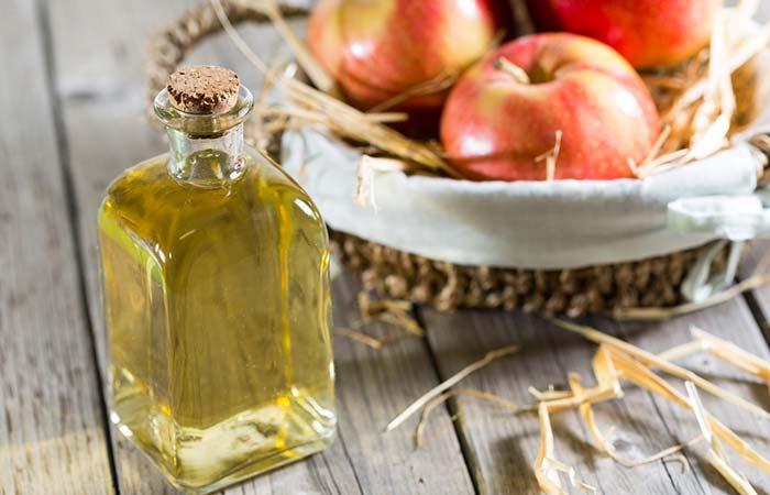 6. Apple Cider Vinegar For Sore Eyes