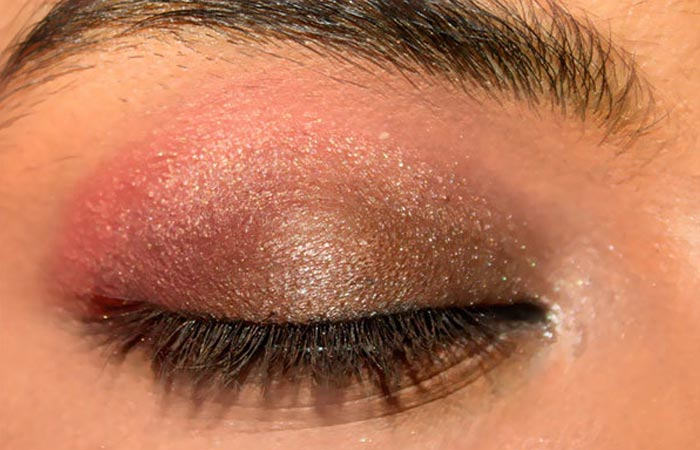 Summer Makeup - Step 3: Create Peppy Effect To The Eyes