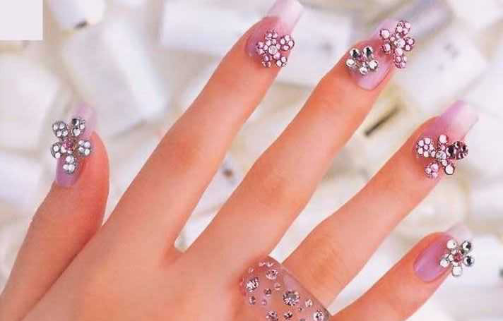 Flower Shaped Rhinestone Nail Art