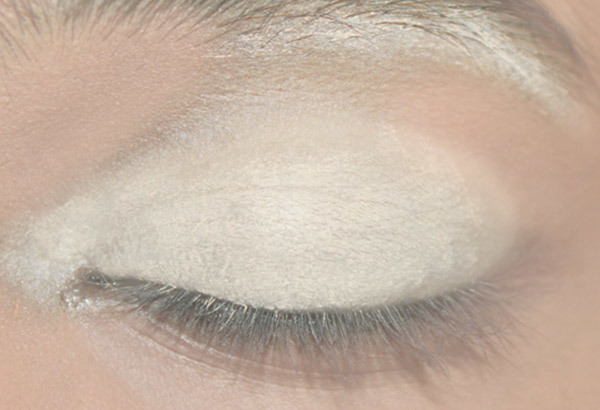 Step 1: Apply Creamy White or Nude Kohl to Remove Pigmentation on your Eye Area