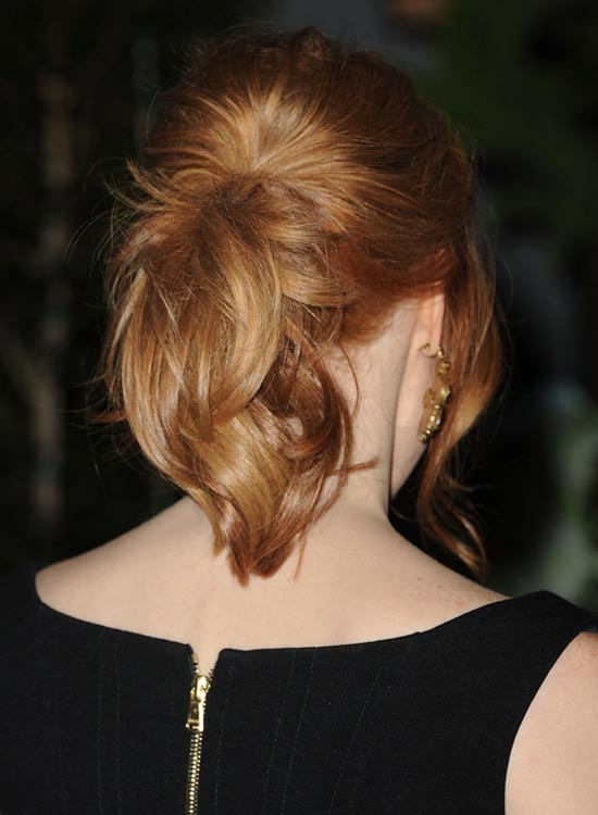 Short-Curly-Ponytail-on-Layered-Hair-with-Bang