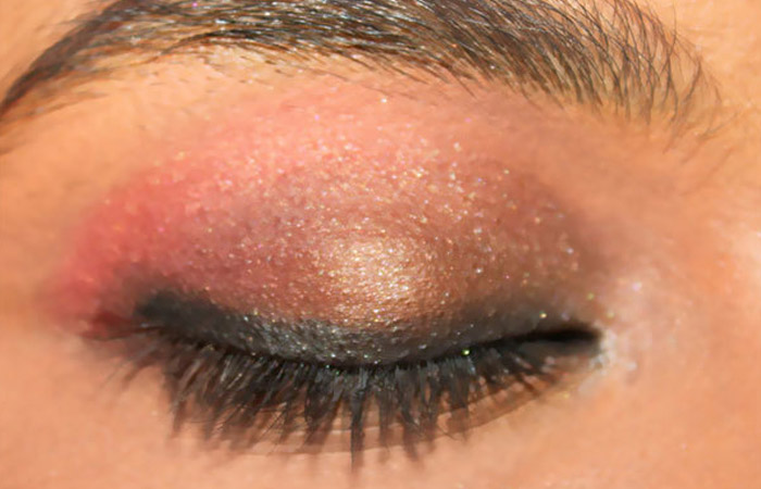 Summer Makeup - Step 4: Soften The Eye Look With Gel Liner & Pencil