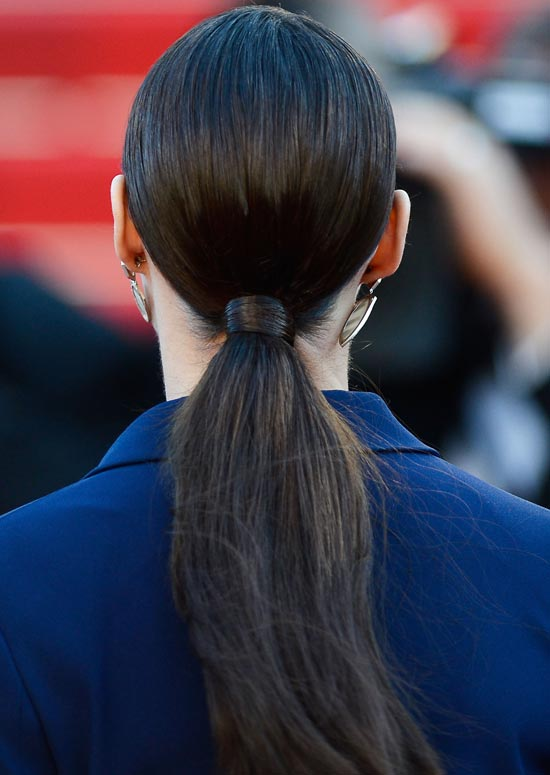 Swinging-Ponytail-with-Hair-Wrap