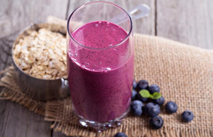Vegetarian Breakfast Recipes - Berries & Oatmeal Smoothie