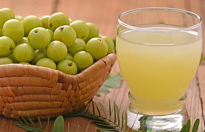 Home Remedies To Treat Jaundice - Amla