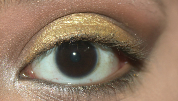 Step 3: Give A Smokey Eye Look And Apply A Shimmery Yellow Gold Eyeshadow