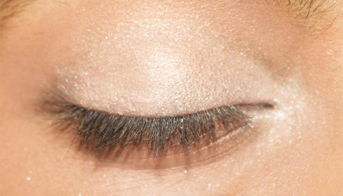 Beautiful Eye Makeup Inspired By Deepika Padukone (3)