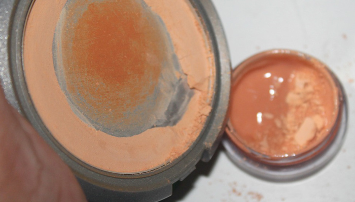 DIY - Amazing Tinted Moisturizer (2)