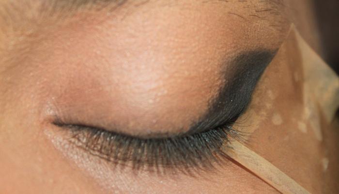 Red and Black Eye Makeup Look (2)