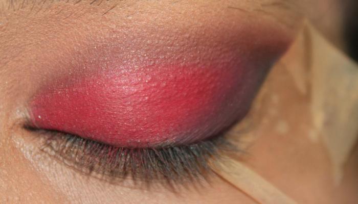Red and Black Eye Makeup Look (5)