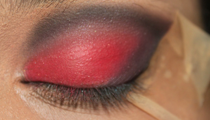 Red and Black Eye Makeup Look (6)