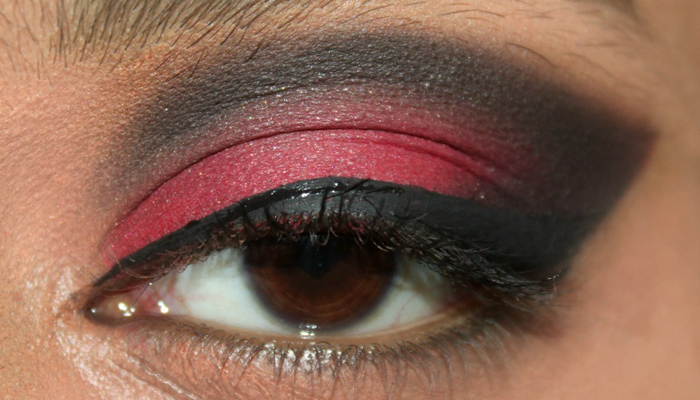 Red and Black Eye Makeup Look (7)