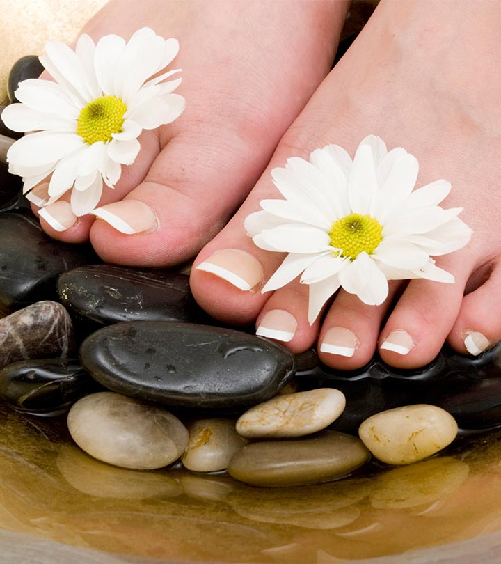 5 Easy Steps To Do A French Pedicure At Home