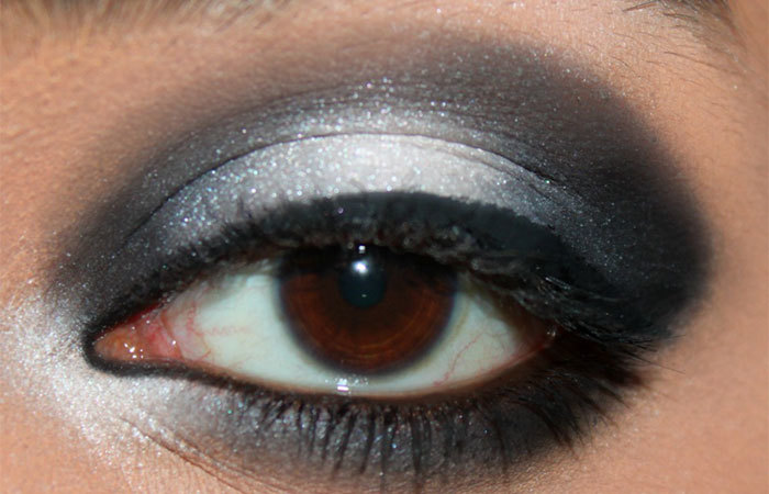 Black and White Eye Makeup Tutorial - Step 6: Line Your Eyes With Black Liquid Eyeliner