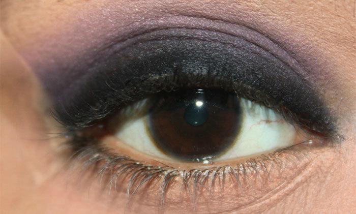 Dark Violet and Black Eye Makeup Look Tutorial (2)
