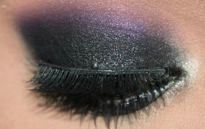 Dark Violet and Black Eye Makeup Look Tutorial (4)
