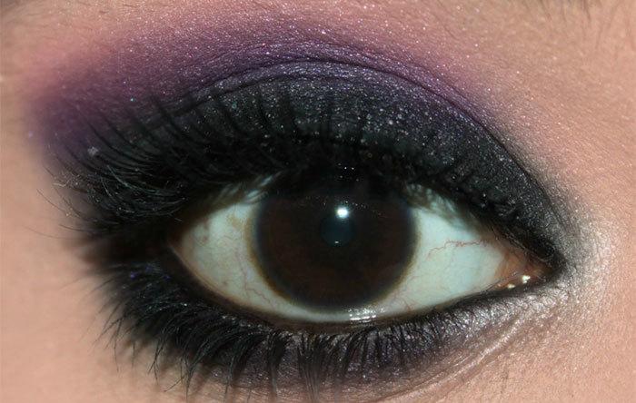 Dark Violet and Black Eye Makeup Look Tutorial (5)