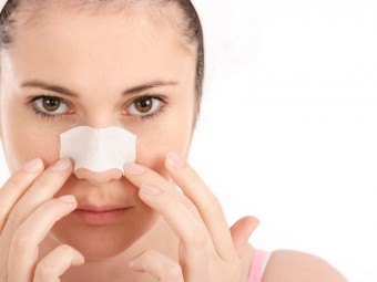 Easy-Ways-To-Get-Rid-Of-Blackheads-On-Nose