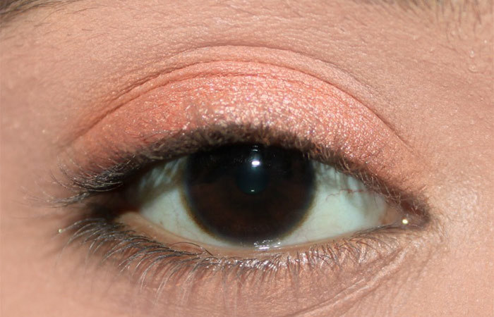 Fresh Coral Eye Makeup Look Tutorial (2)